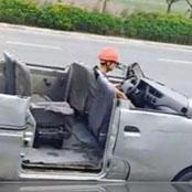 เปลี่ยนบรรยากาศ ? หนุ่มจีนขับรถตู้แวนดี ๆ ไม่ชอบ เปิดประทุนซะงั้น
