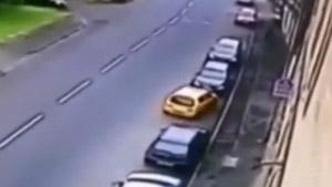 เชื่อเถอะ นี่คือคลิปการจอดรถเข้าซองที่ยอดแย่ที่สุดในโลก