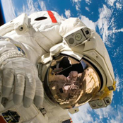 ชีวิตนอกโลก ของนักบินอวกาศ กับการดำเนินชีวิตในสภาวะไร้แรงโน้มถ่วง